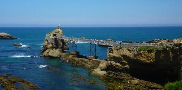 rocher_de_la_vierge-biarritz