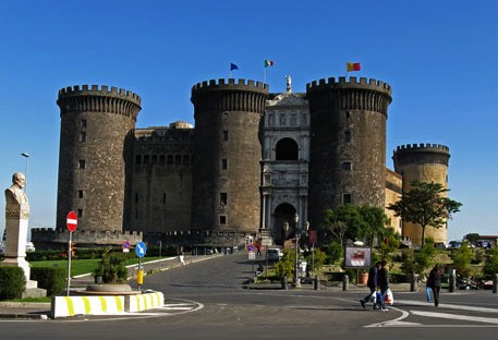 chateau-Nuovo-Naples