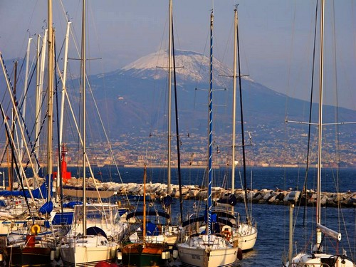 port-naples-vesuve