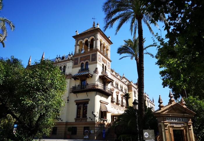 palais-alfonso-13-seville