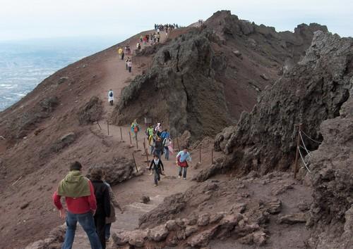 vesuve-cratere