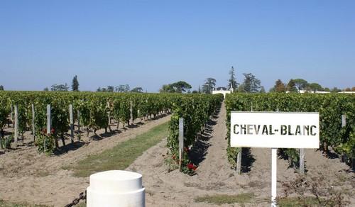 Chateau-Cheval-Blanc-1er-Grand-Cru-Classe-A-Saint-Emilion