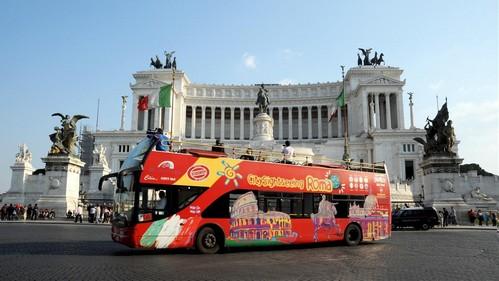 bus-touristique-rom