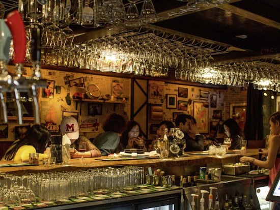 Le-Cafe-des-Stagiaires-bar-Shanghai