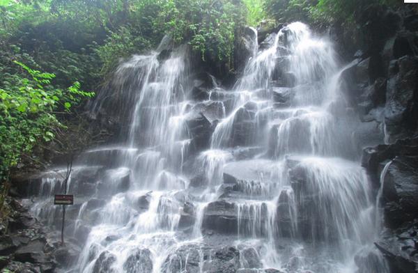 cascade-Kanto-Lampo-gianyar-bali