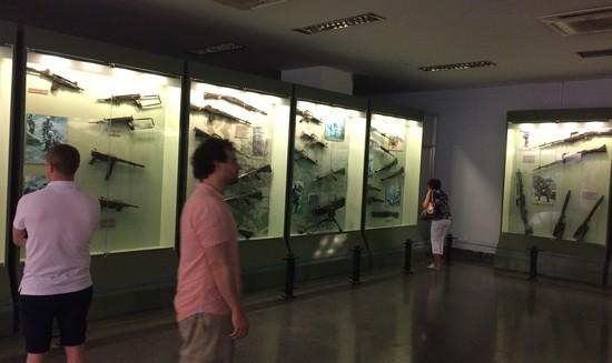 musee-guerre-saigon-arme