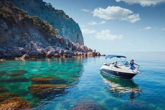 location-particulier-bateau-moteur