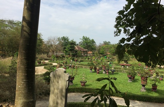 jardin-cite-imperial-hue