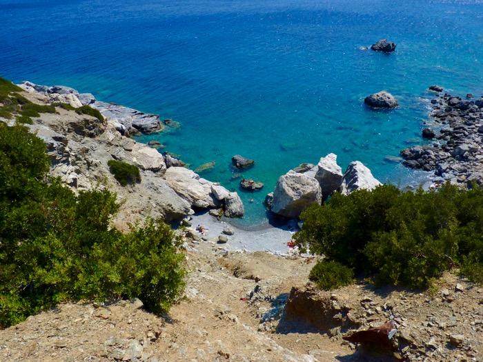 amorgos-cyclades-plage-agia-anna-eaux-turquoises
