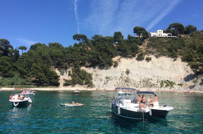 plage-reine-bateau-privee-cassis