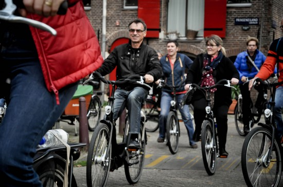 decouverte-centre-ville-amsterdam-velo-guide-francais