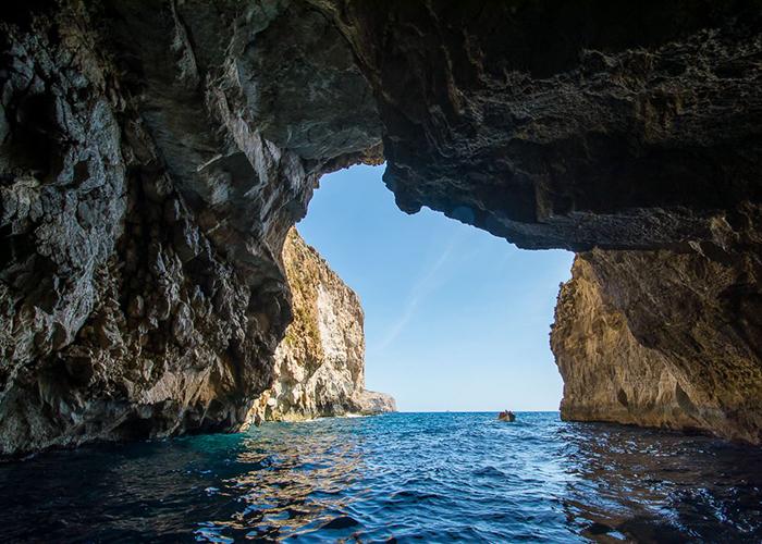malte-Grotte-bleue-bateau