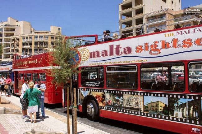 comment-visiter-malte-bus
