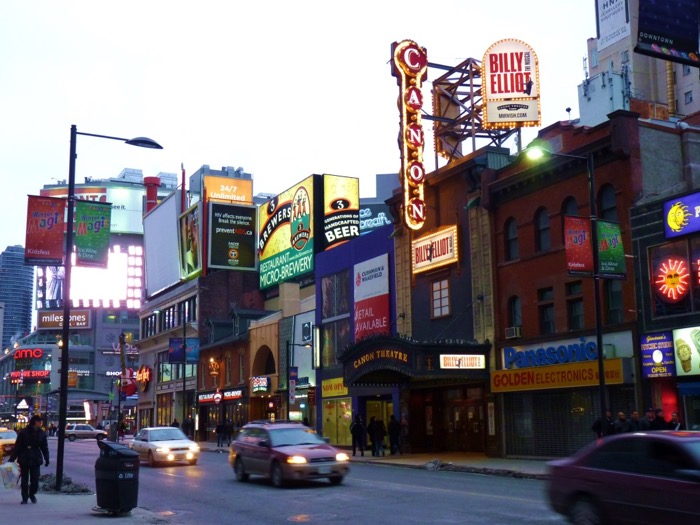 toronto-yonge-street