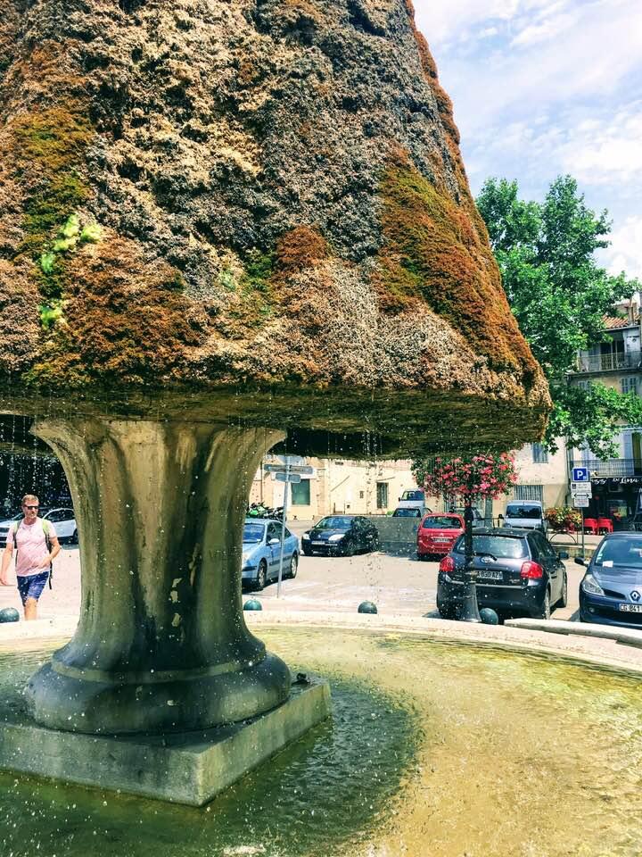 Fontaine-Barjols-gorge-verdon