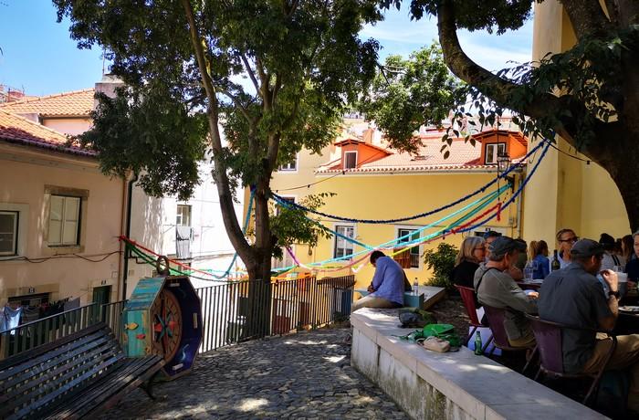 visite-quartier-alfama-lisbonne-ruelles