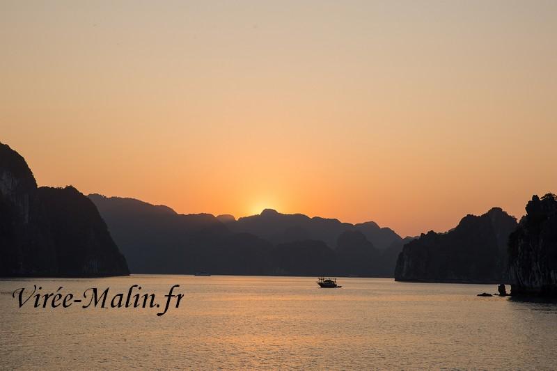 halong-baie-bateau-depuis-cat-ba
