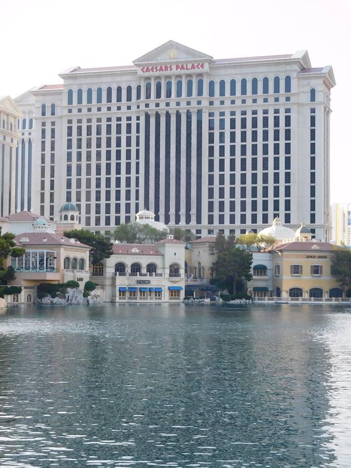hotel-caesar-palace-las-vegas-hotel