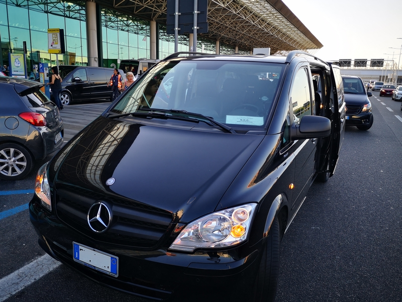 rejoindre-hotel-naples-aeroport-navette-privee