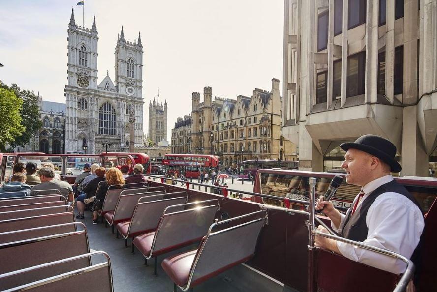 london-guide-vintage-bus