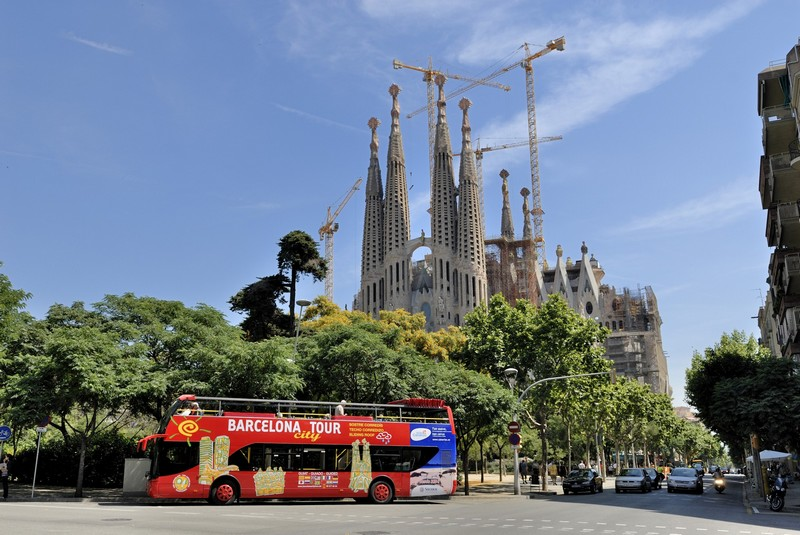 bus-arret-multiple-barcelone-sagrada