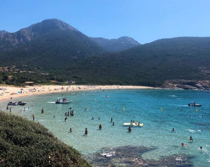 plus-belle-plage-calanque-piana-plage-arone