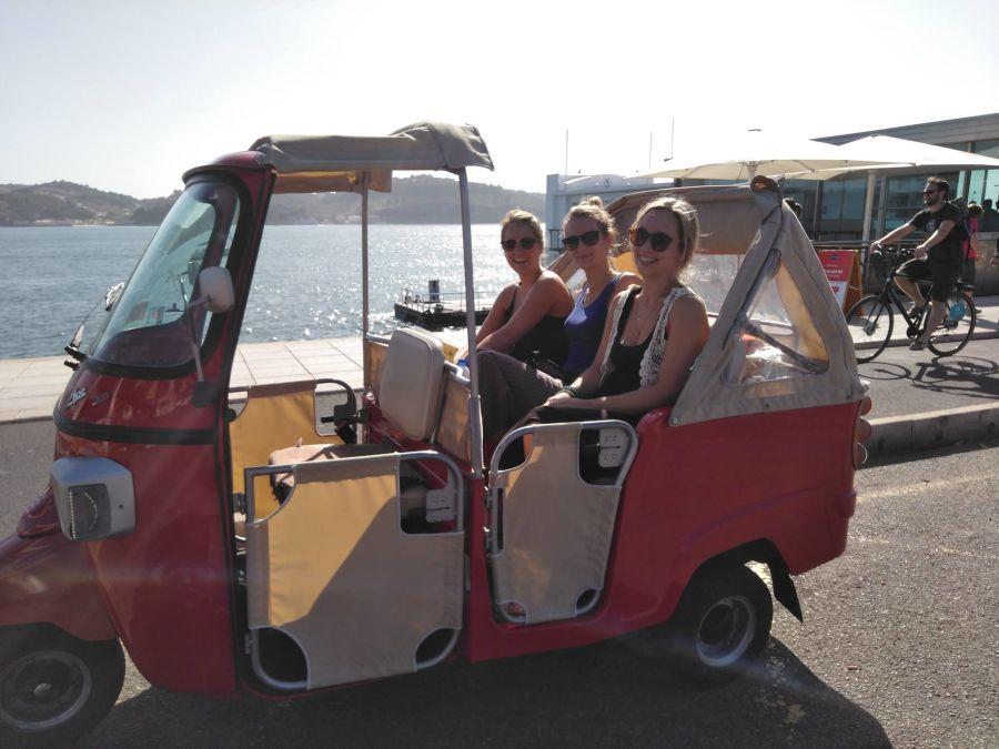 free-style-tour-lisbonne-tuktuk