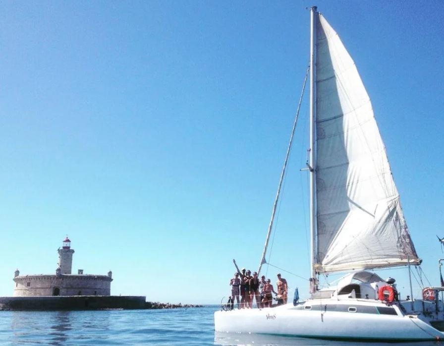 privatiser-catamaran-lisbonne-groupe-ami