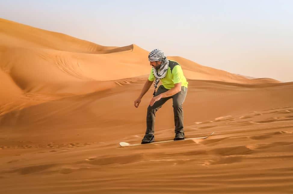 sandboard-desert-dubai