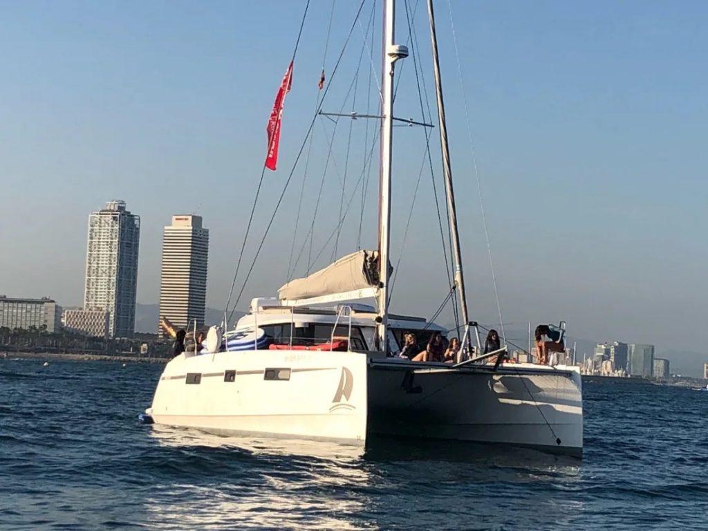 sortie-privee-catamaran-barcelone