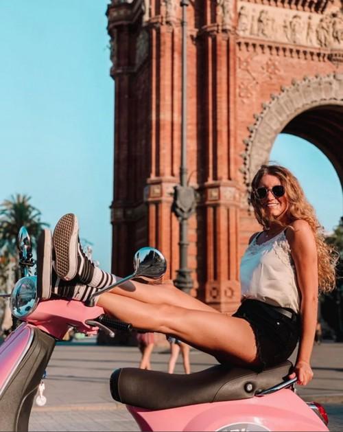 activite-barcelone-location-scooter-vespa