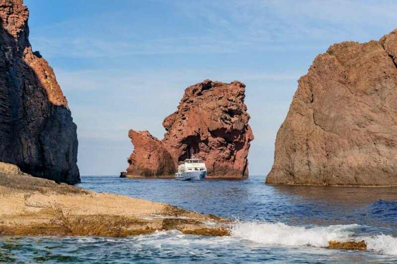 visiter-la-reserve-de-scandola-en-bateau-depuis-ajaccio